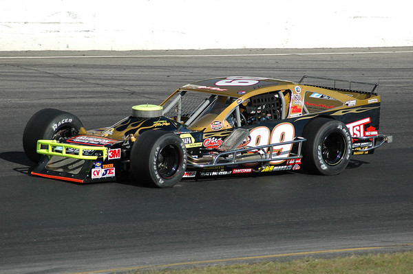 Thompson Speedway 9-13-2007 Sunoco Modifieds, TIS mods.